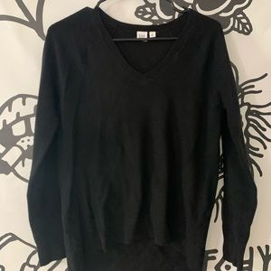 Gap v neck sweater